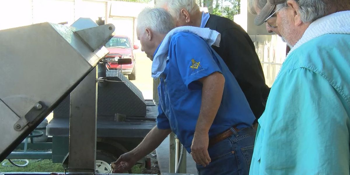 Alee Temple Shriners donates chicken dinners to soldiers