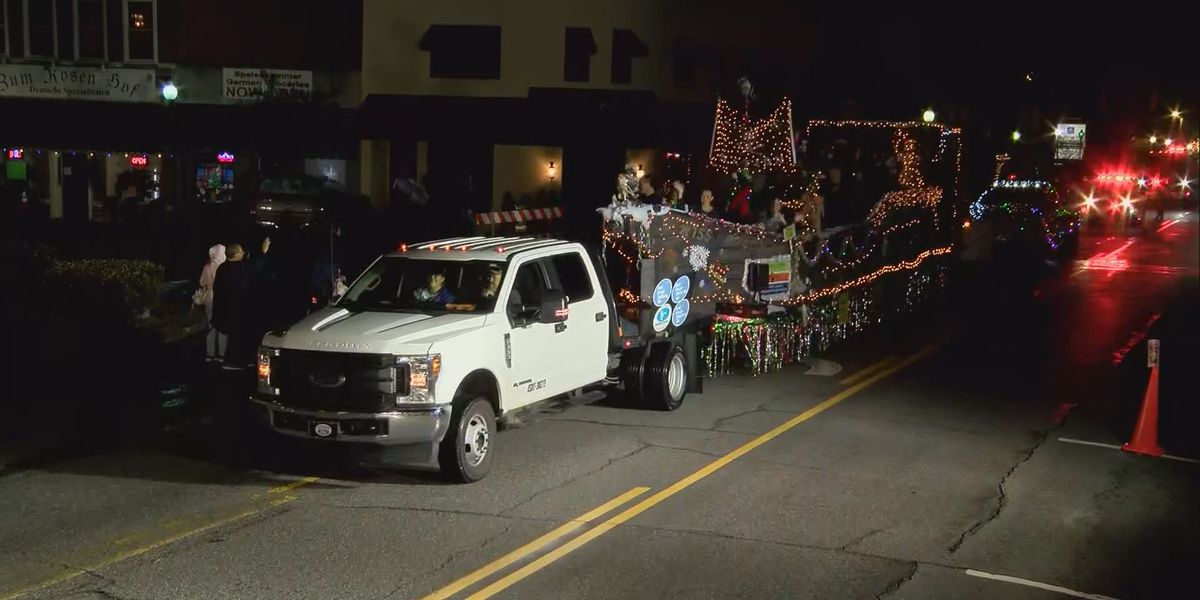 WATCH: The Illuminated Christmas Parade in Hinesville