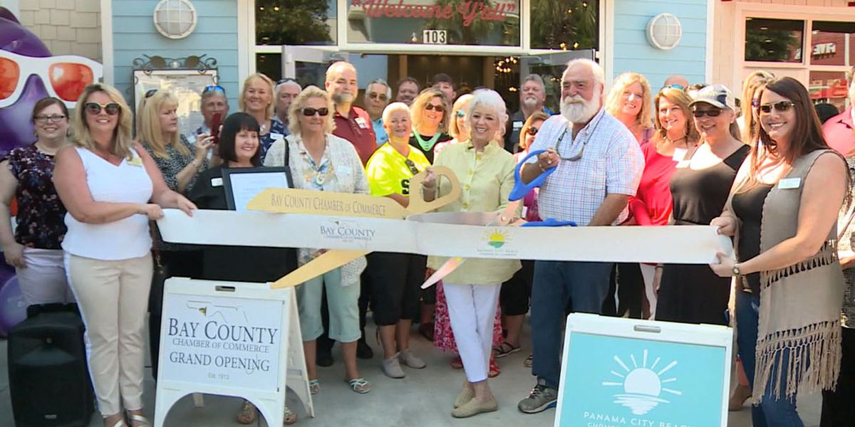 Paula Deen opens new restaurant in Panama City, Fla.