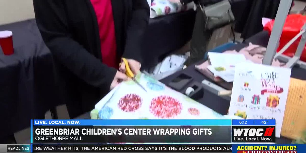Greenbriar Children's Center wrapping gifts at Oglethorpe Mall