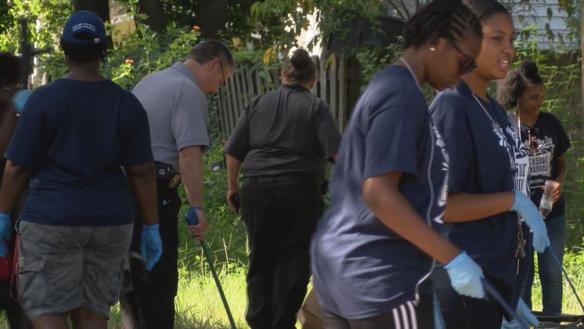 Good News: Students help with Savannah Shines