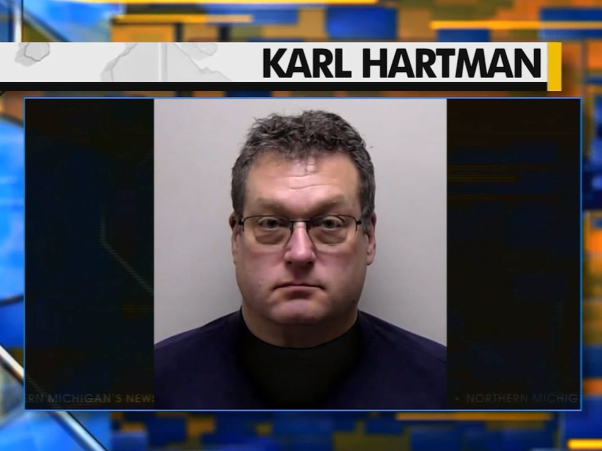 Former Michigan middle school principal arrested on sex crime charges