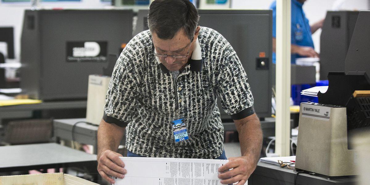 Florida recount chugs along as more irregularities surface