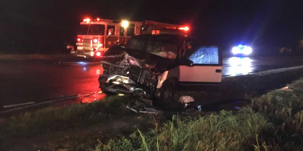Early Saturday wreck kills one person in Beaufort