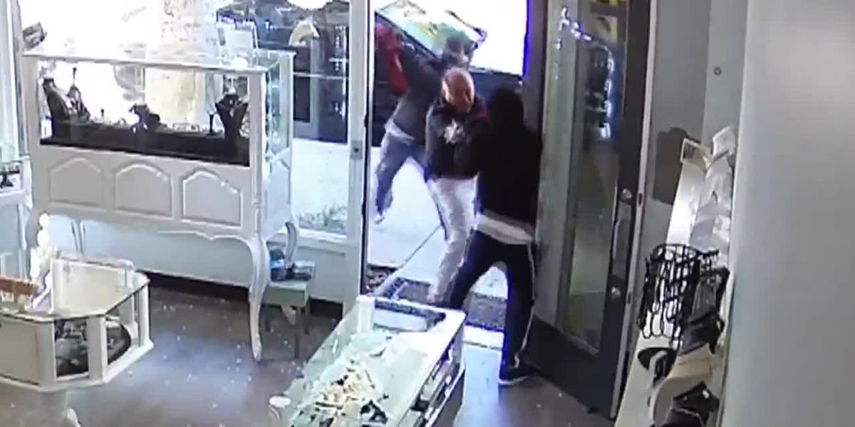 Owner of 'Heist Jewelry' hit with sledgehammer in attempted robbery
