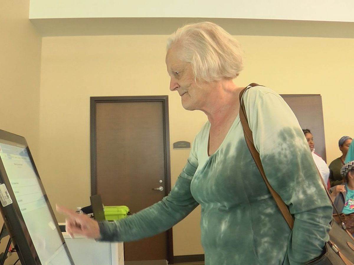 Savannah holds voting machine workshop with new devices
