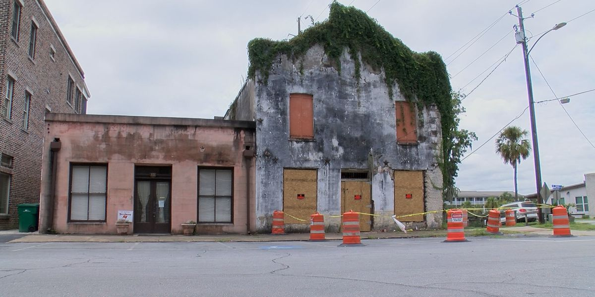 Concerns grow over historic building in downtown Darien