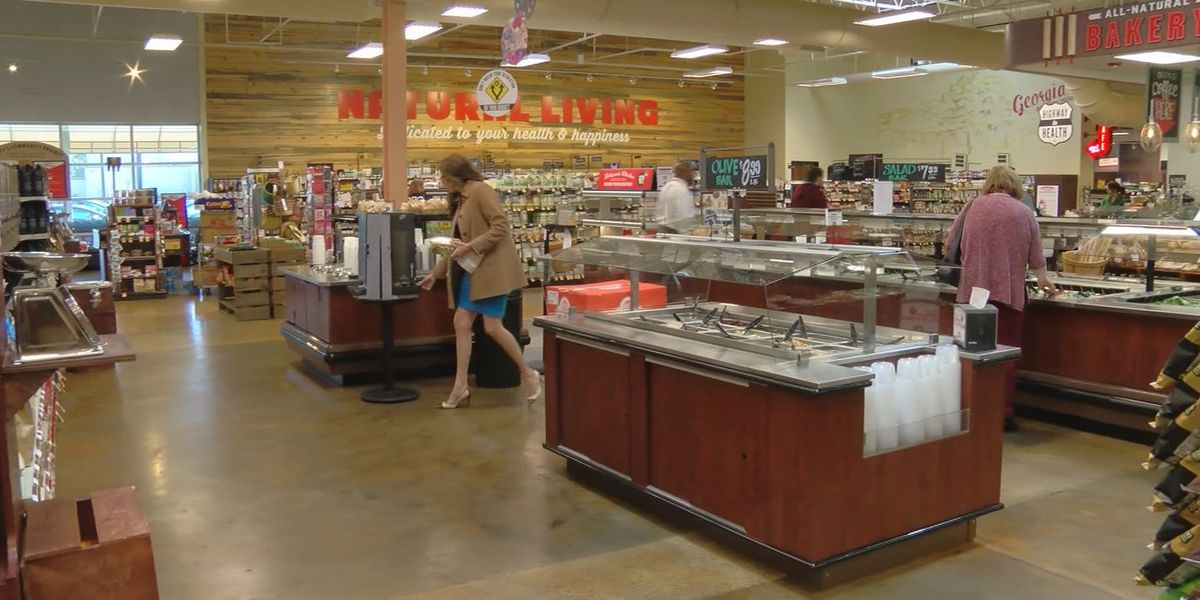 Lucky's Market in Savannah closing