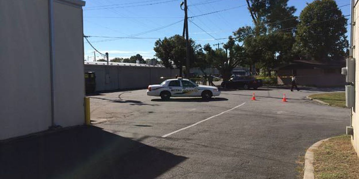 SCMPD investigating after dead body found behind CVS on Waters Ave.
