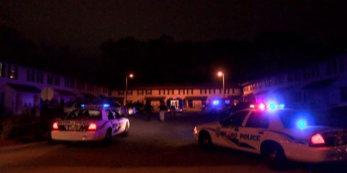 Man surrenders to police after 1 dead, 4 injured in W. 54th Street apartment shooting