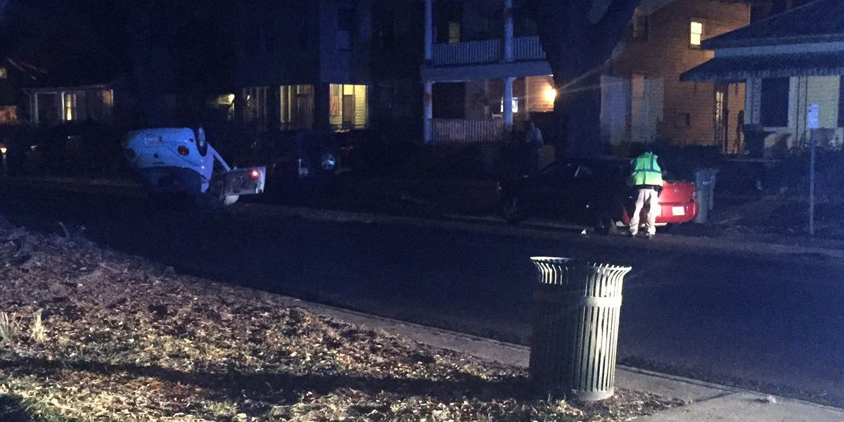 Driver flees after hitting parked car on E. 37th Street in Savannah