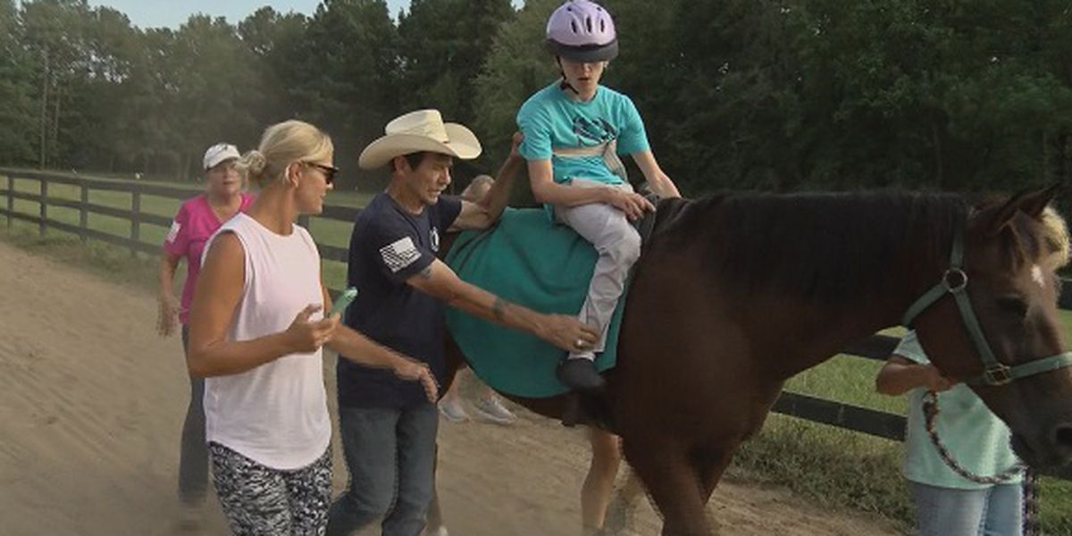 Good News: Therapeutic horseback riding program 'Hoofs 4 Healing' finds new home