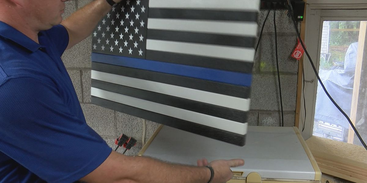 Police officer helps neighbor in need