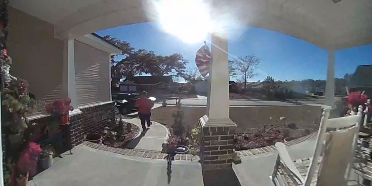SCMPD searching for suspect who stole packages from front porches in Dec.