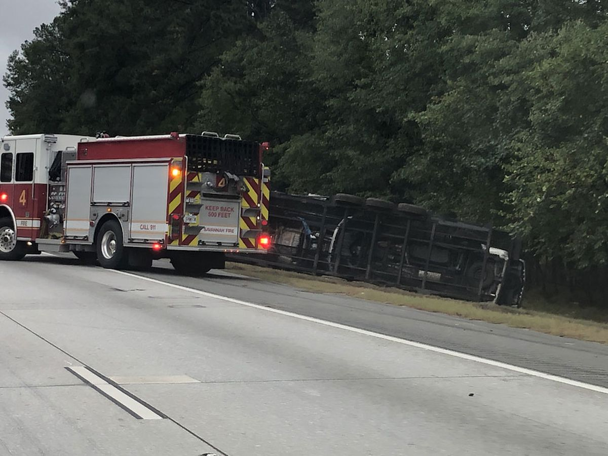 I-16 eastbound reopens afte overturned semi caused traffic delays