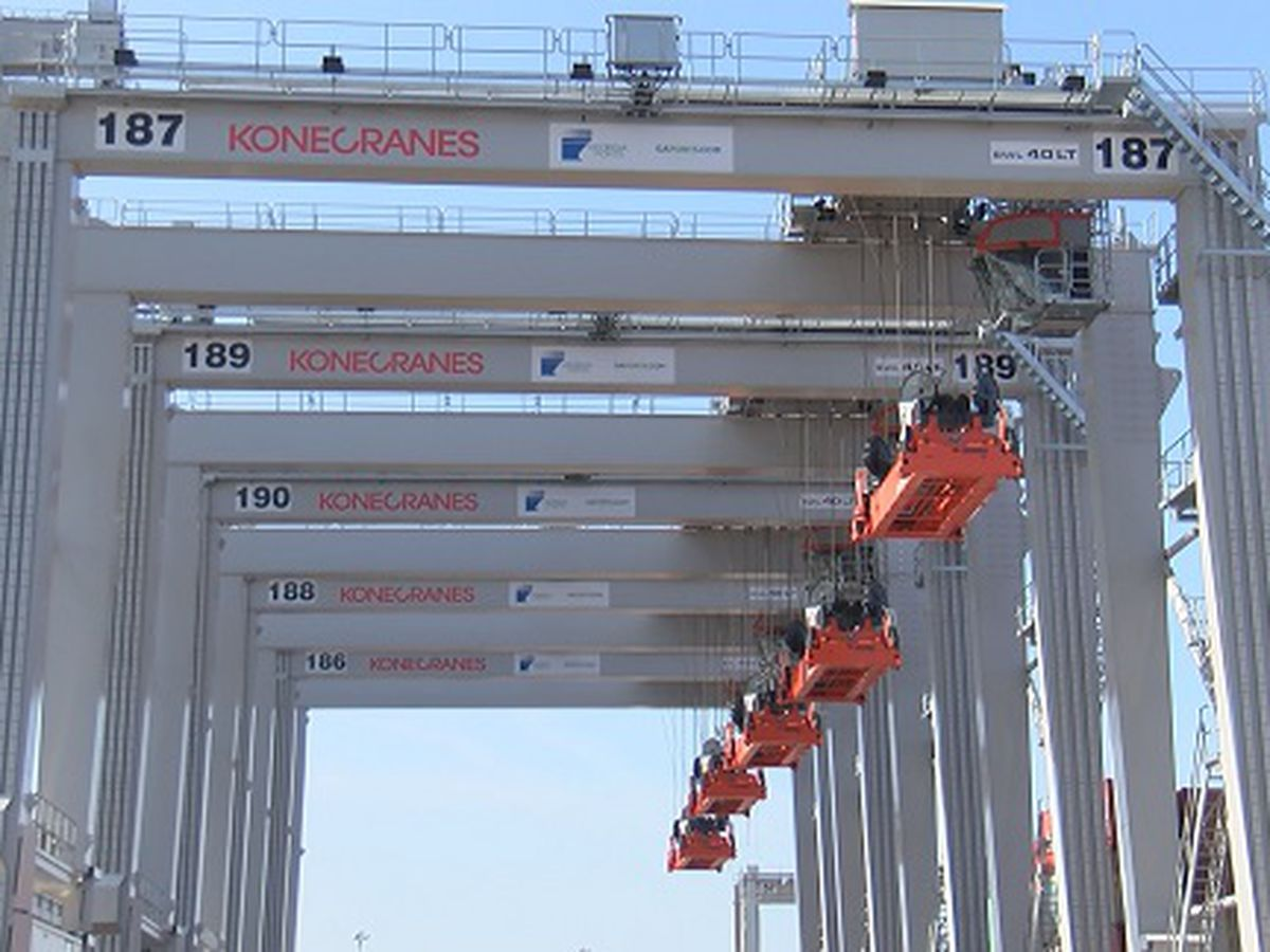 New cranes grow container capacity at Port of Savannah