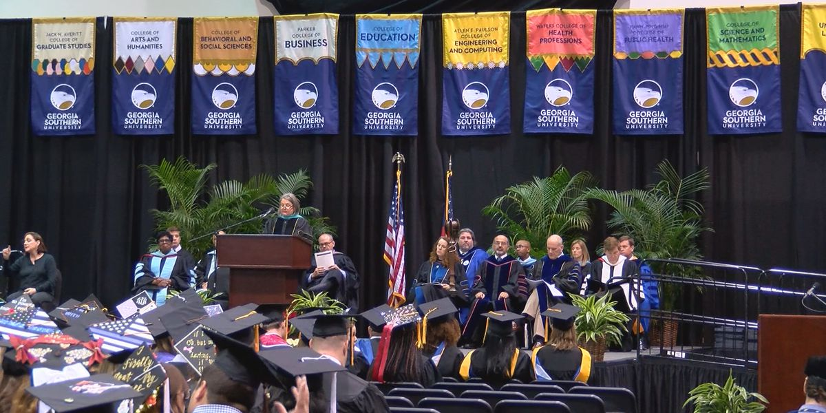 Georgia Southern holds Armstrong campus graduation