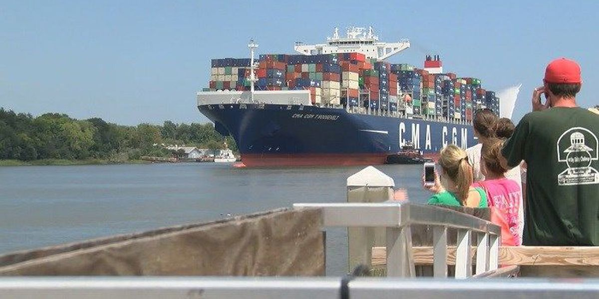 Governor Deal seeks continued funds for harbor deepening