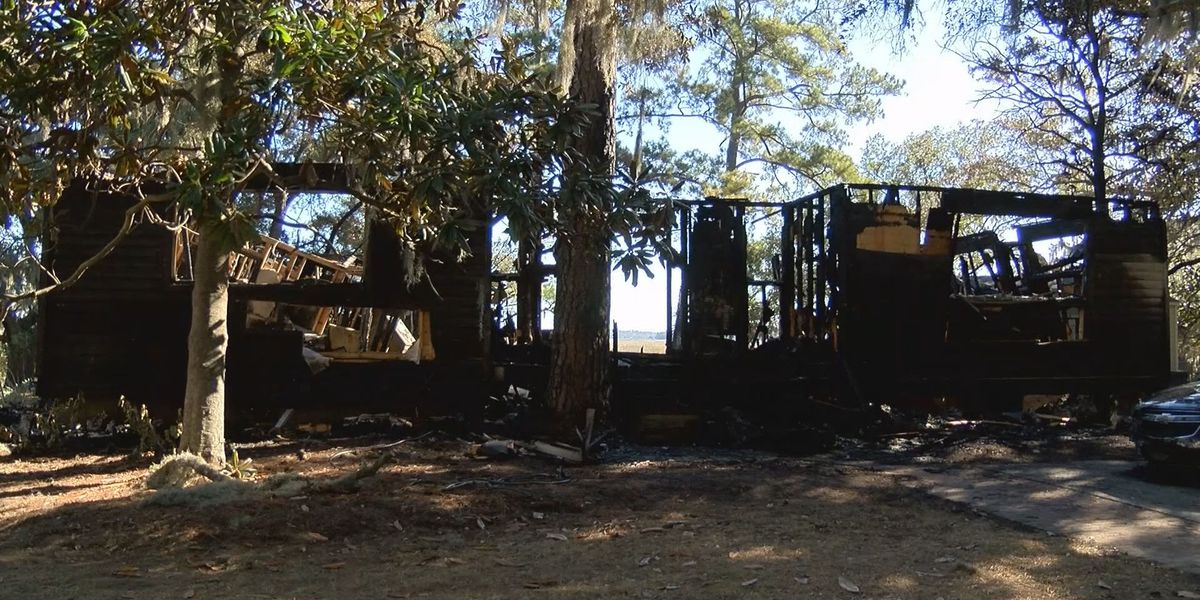 Fatal Lady's Island fire under investigation