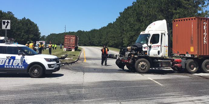 W.B. Jimmy DeLoach Parkway near Expansion Blvd. closed after tractor-trailer crash