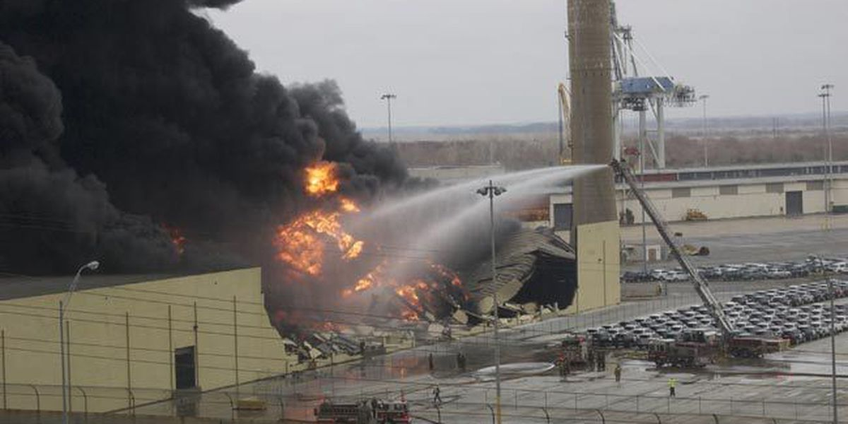 LIVE NOW ON WTOC: Warehouse fire at Ga.Ports Authority