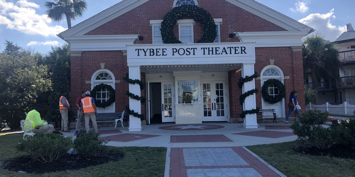 Tybee Post Theater to show holiday movies