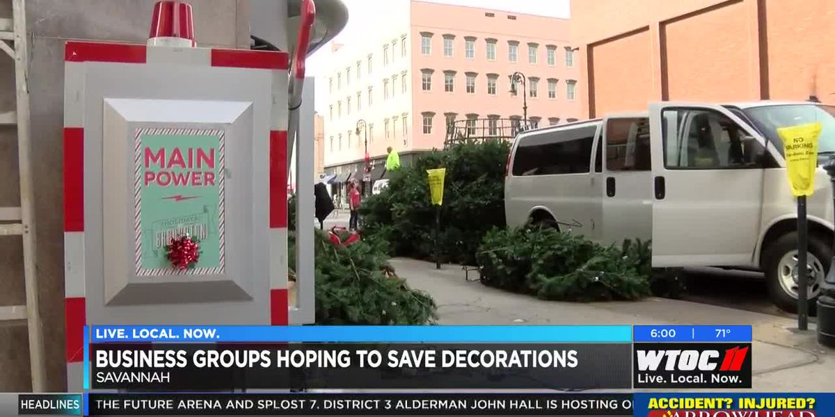 Business groups hoping to save Savannah Christmas decorations