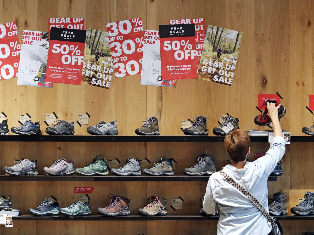 US consumer prices flat in November as energy plunges