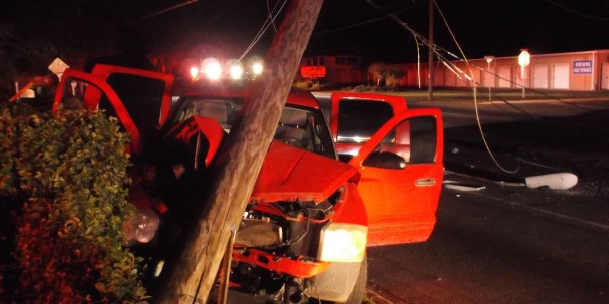 Truck strikes pole causing power outages in Port Royal