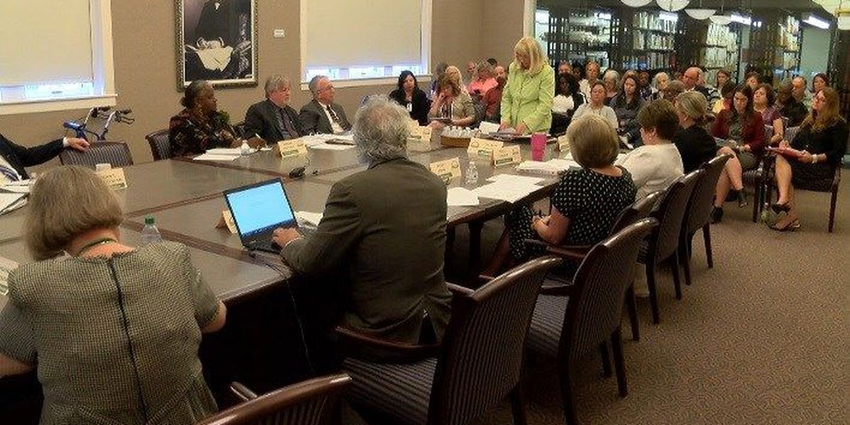 Live Oak Public Libraries Board votes to close Thunderbolt location