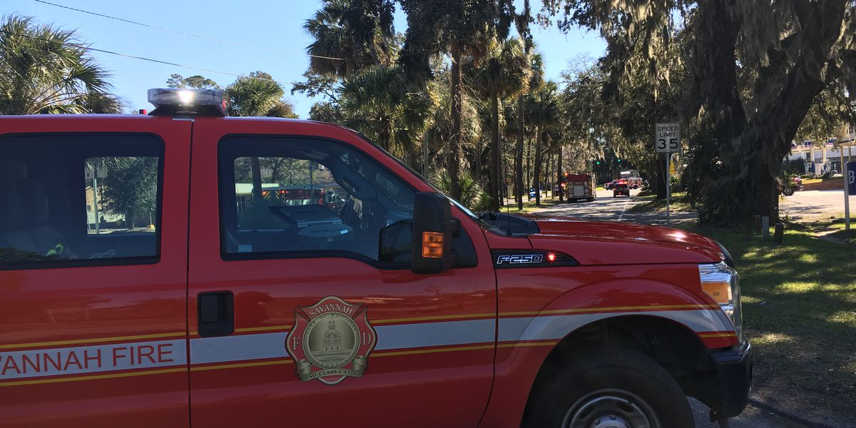 Gas leak shuts down part of Victory Drive in Thunderbolt