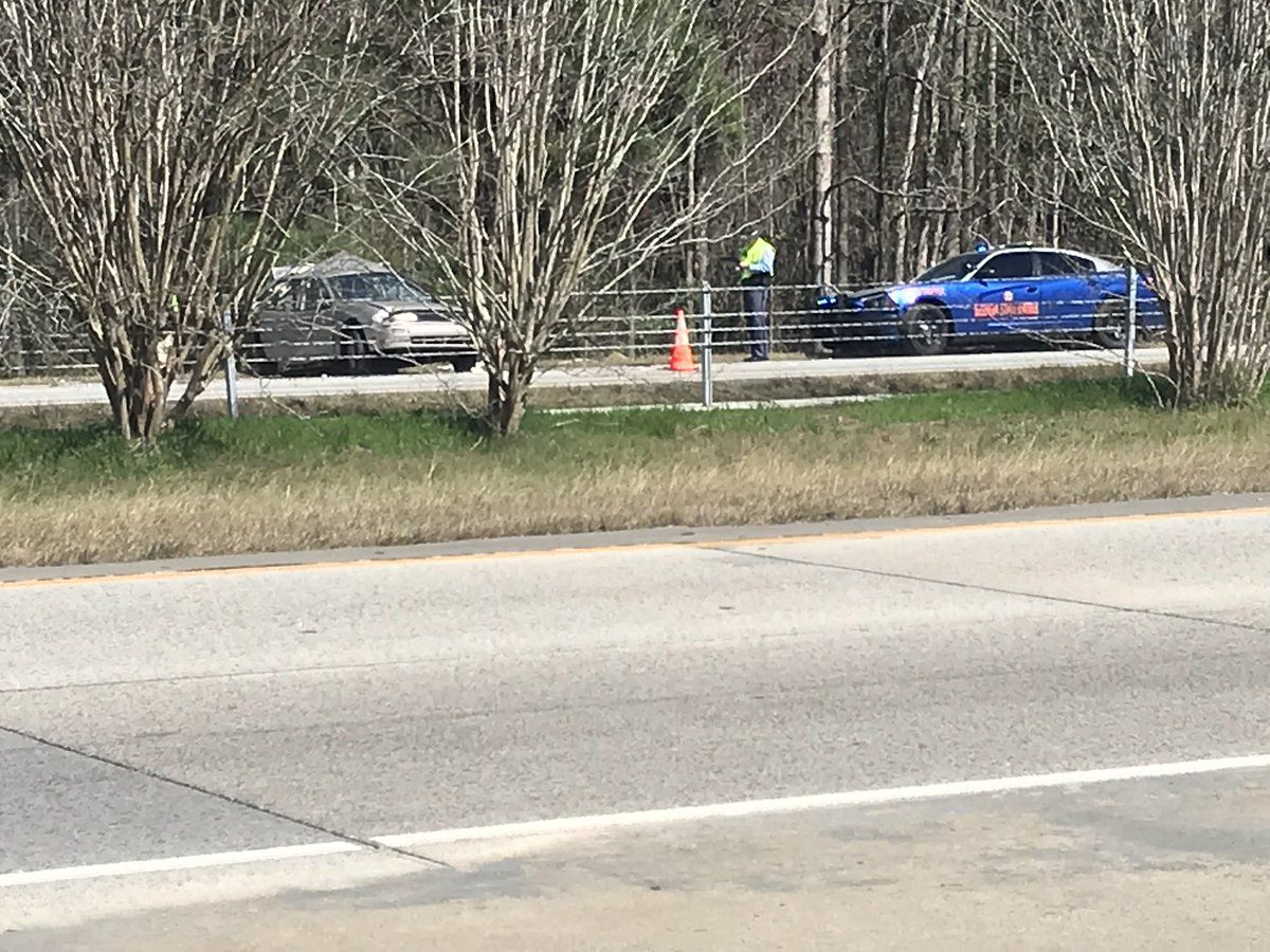 Westbound lanes of I-16 back open near Bloomingdale exit following crash