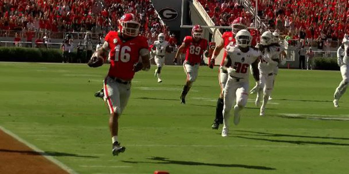 Dawgs' loaded offense shines in season opener