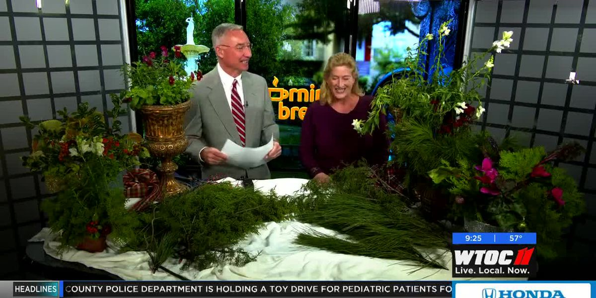 Making a Christmas plant container
