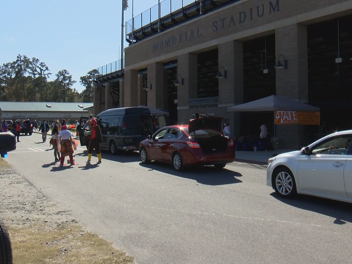 Turkey giveaway event held at Memorial Stadium
