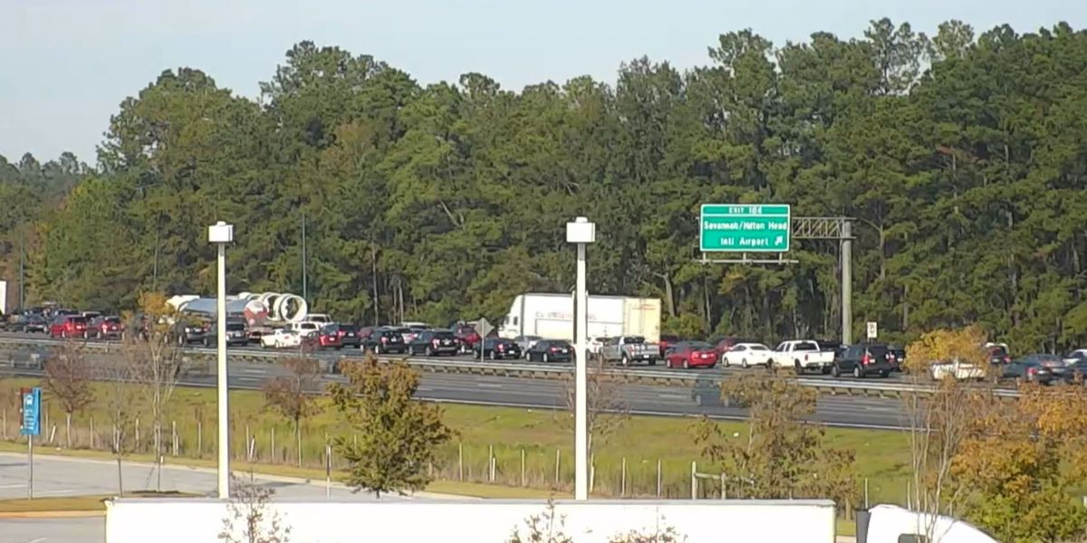 One person killed, four others injured in crash on I-95 in Pooler
