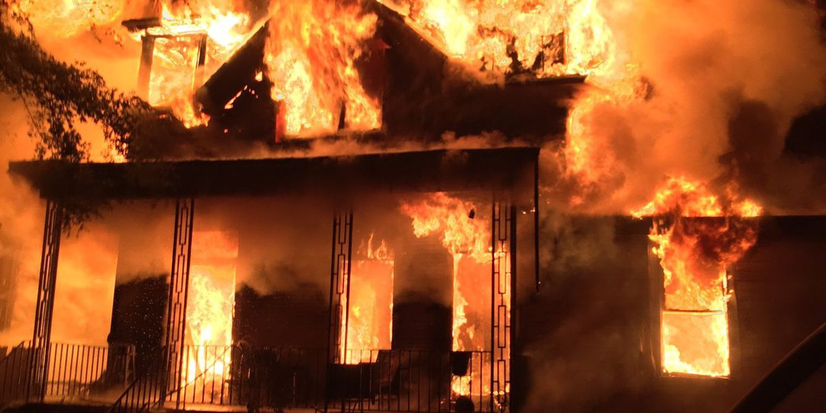 Two Savannah homes damaged by early morning fire
