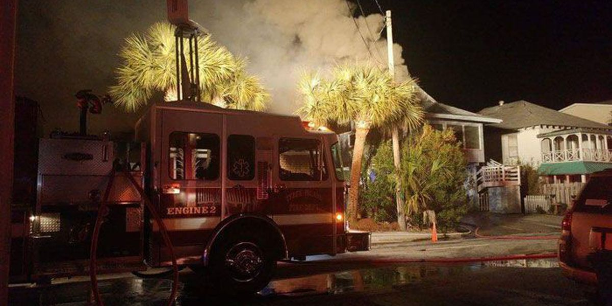 Good Samaritans save family from house fire on Tybee Island