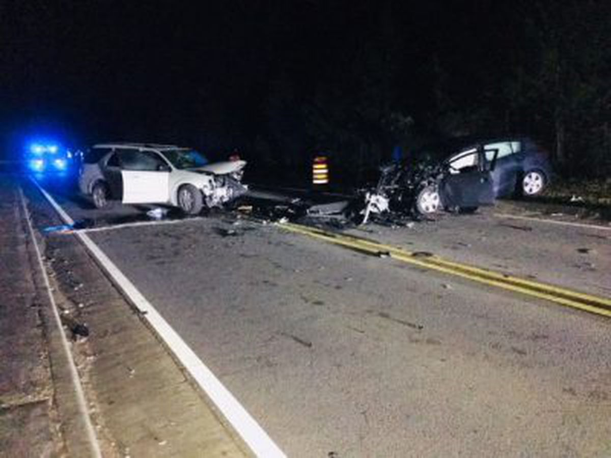 3 seriously injured in head-on collision on Benton Blvd