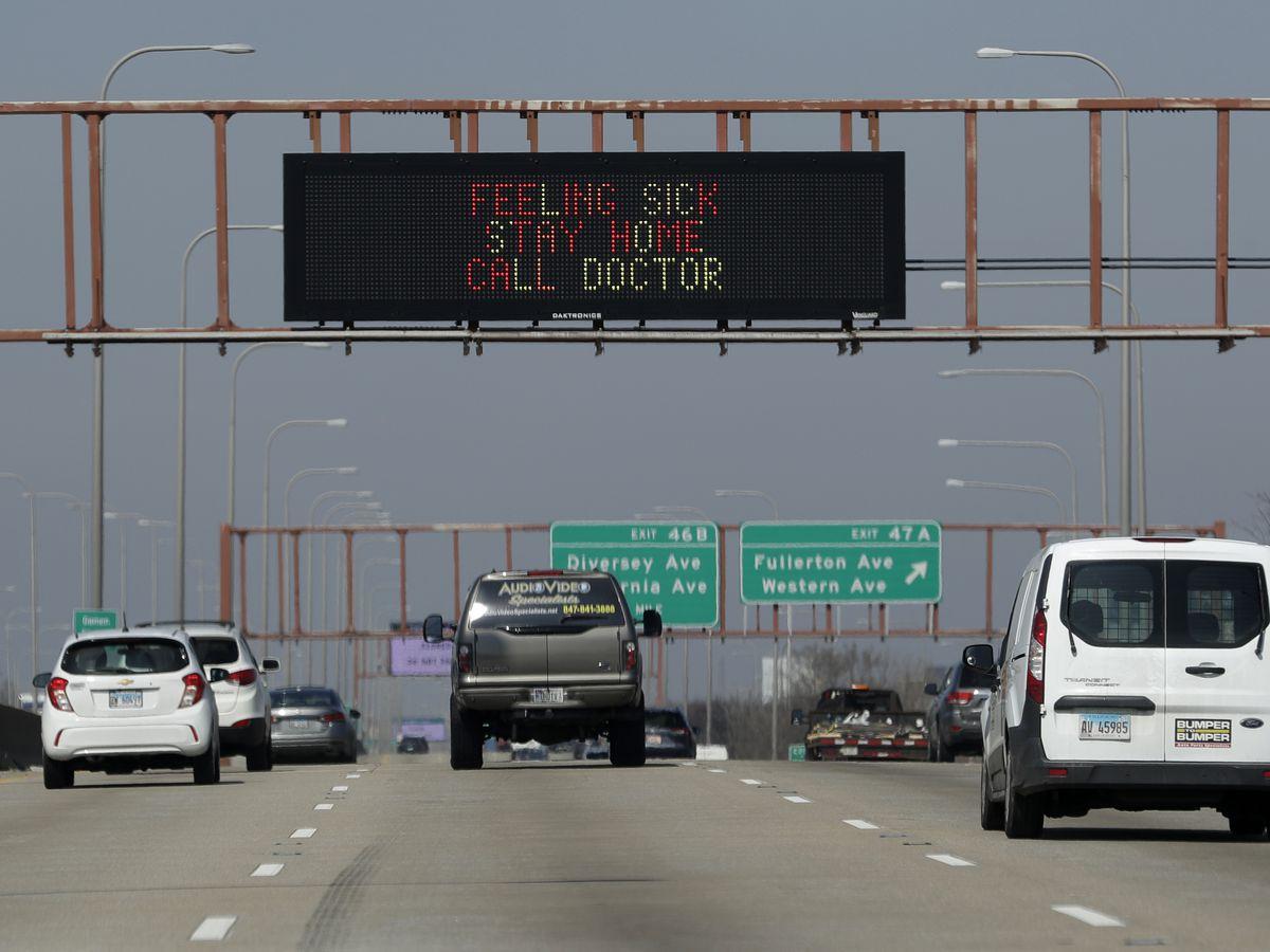 Pilot makes emergency landing on Illinois highway's median