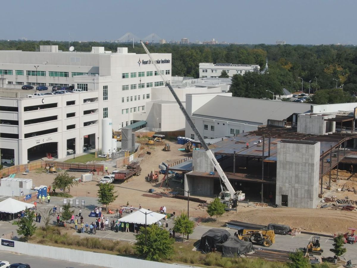 Topping-off ceremony for new standalone children's facility at Memorial Health