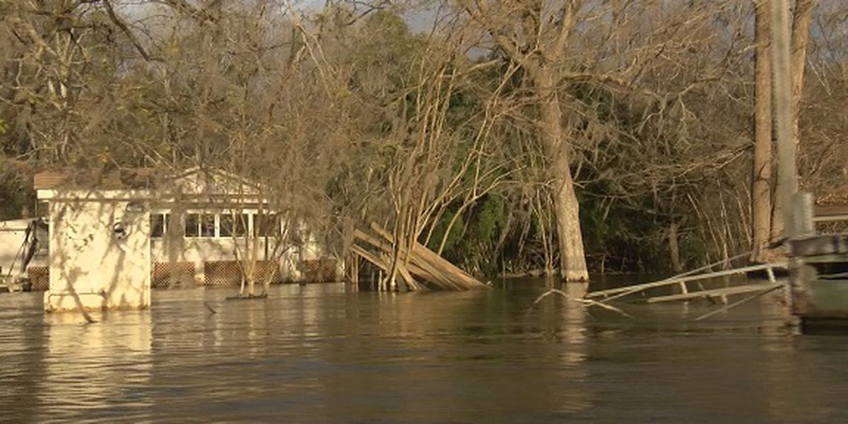 Jasper County families wait for flood waters to recede