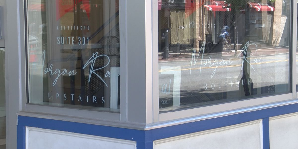 Many stores in downtown Savannah wait to reopen