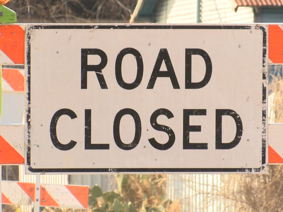 Portion of Hwy 21 closes in Garden City for railroad repairs