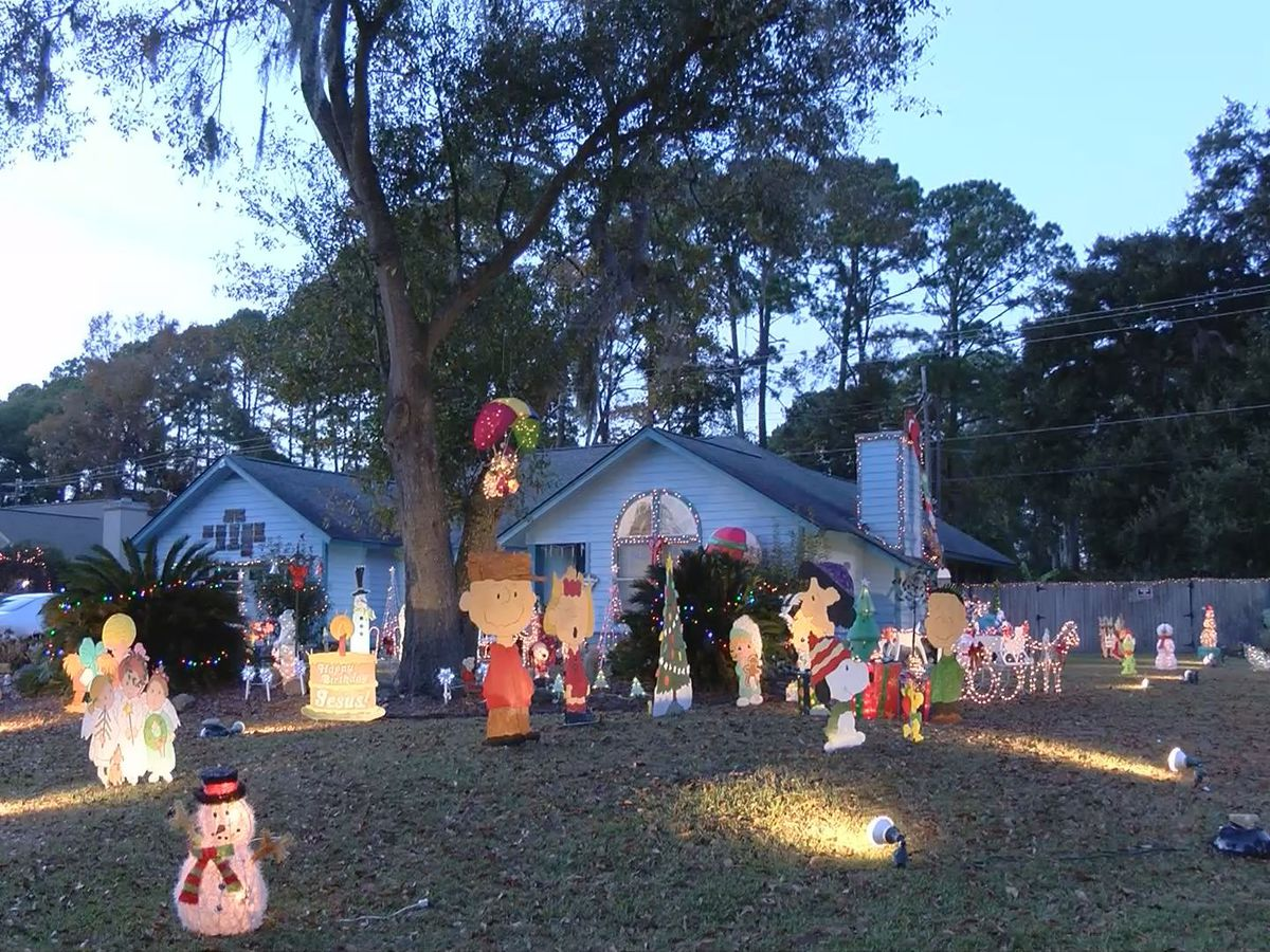Christmas light display donation money, box stolen