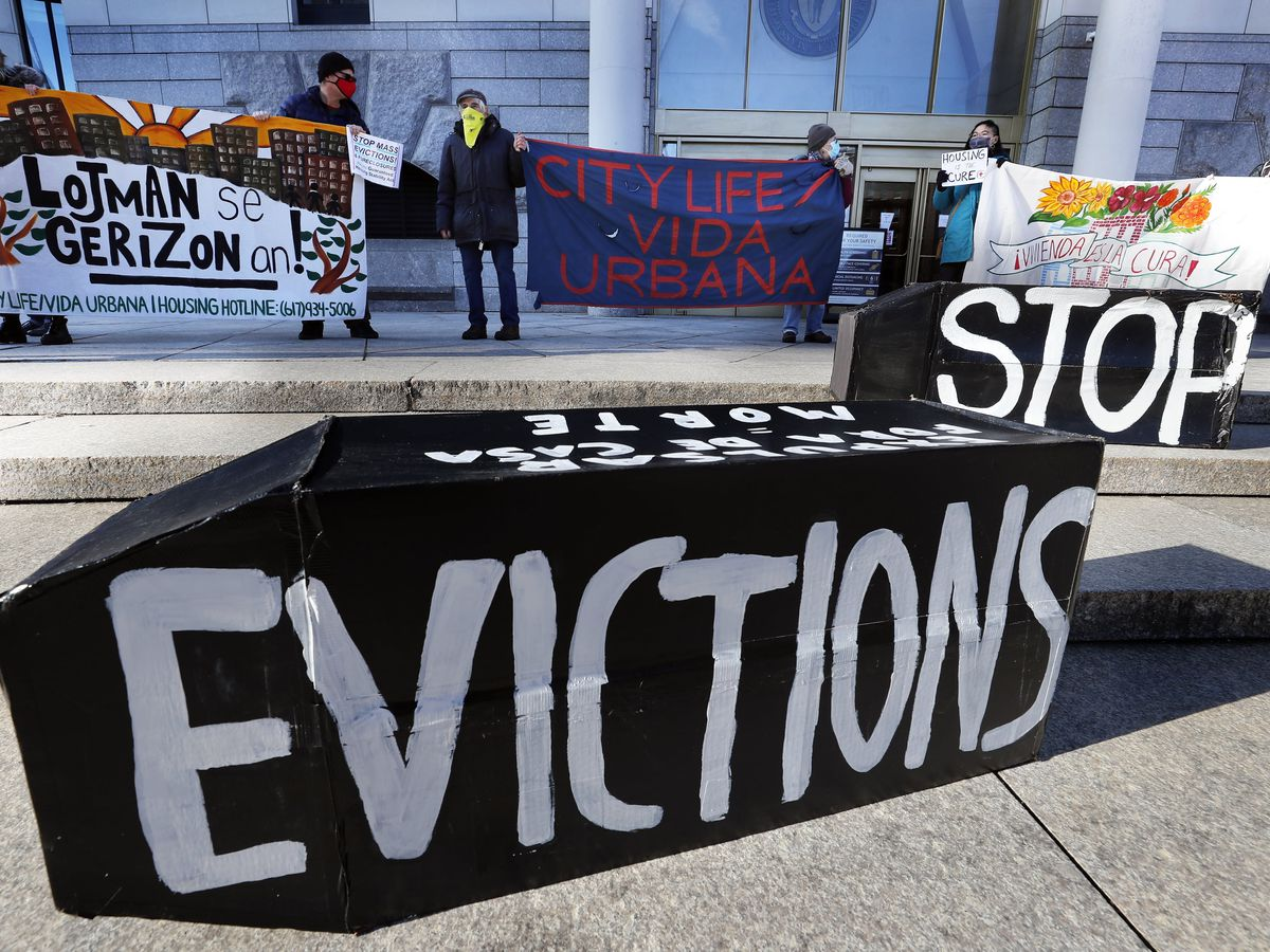 Judge temporarily stays ruling in eviction moratorium case