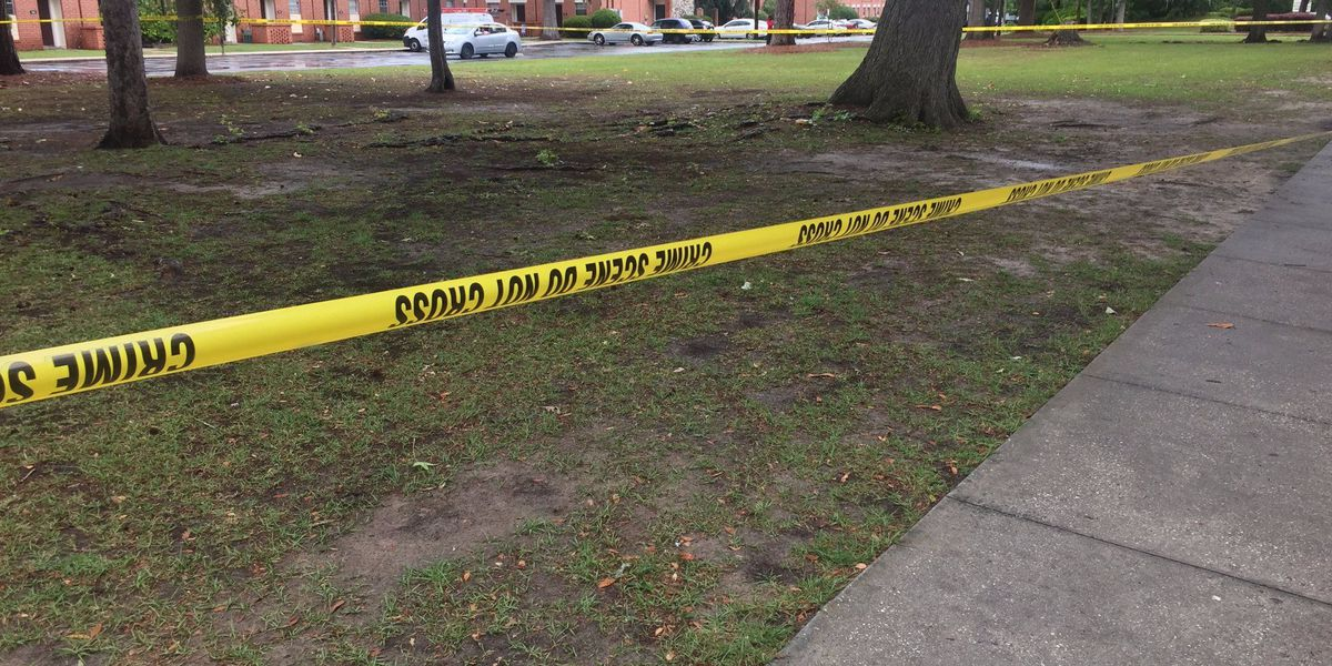 SCMPD investigates after 17-year-old shot on Largo Drive in Savannah