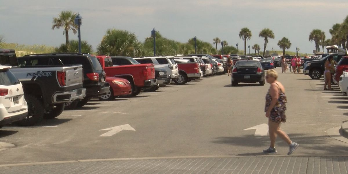 Tybee Island reports smaller than expected holiday crowd