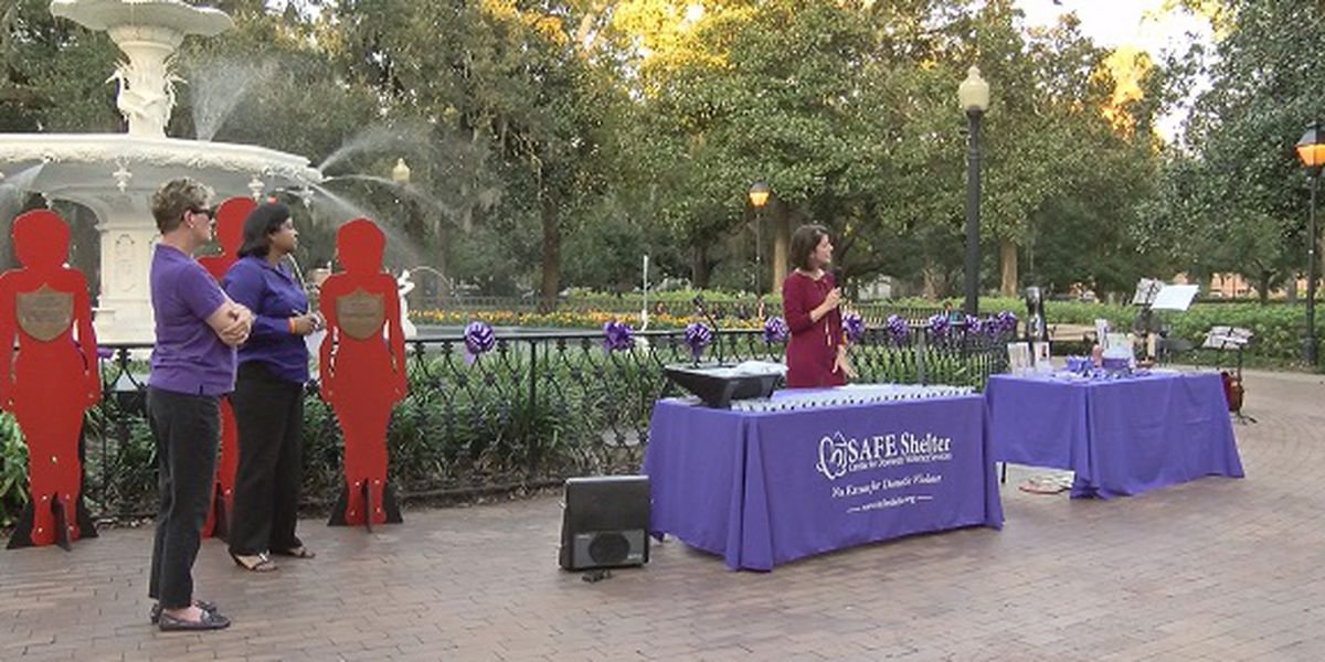 Safe Shelter holds candlelight vigil for those affected by domestic violence