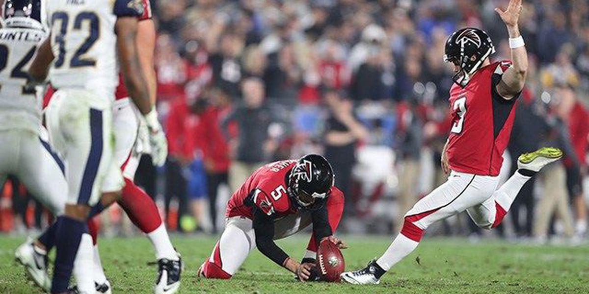 Falcons agree to 3-year extension with veteran kicker Bryant